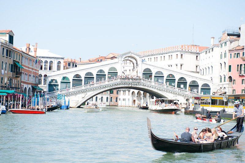 ♫ Viens voir les gondoles à Venise ♫  ♪