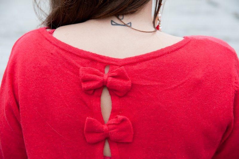 pull rouge noeud femme