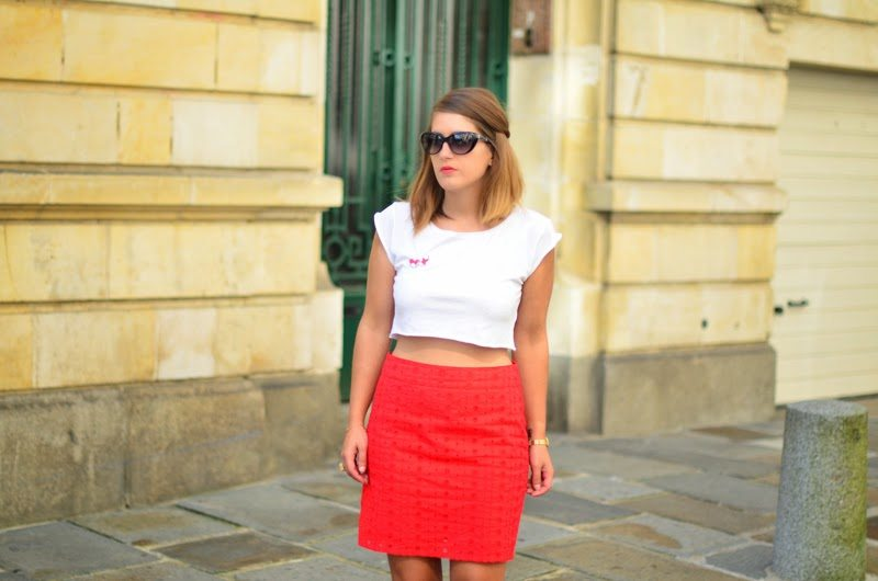 jupe rouge broderie anglaise
