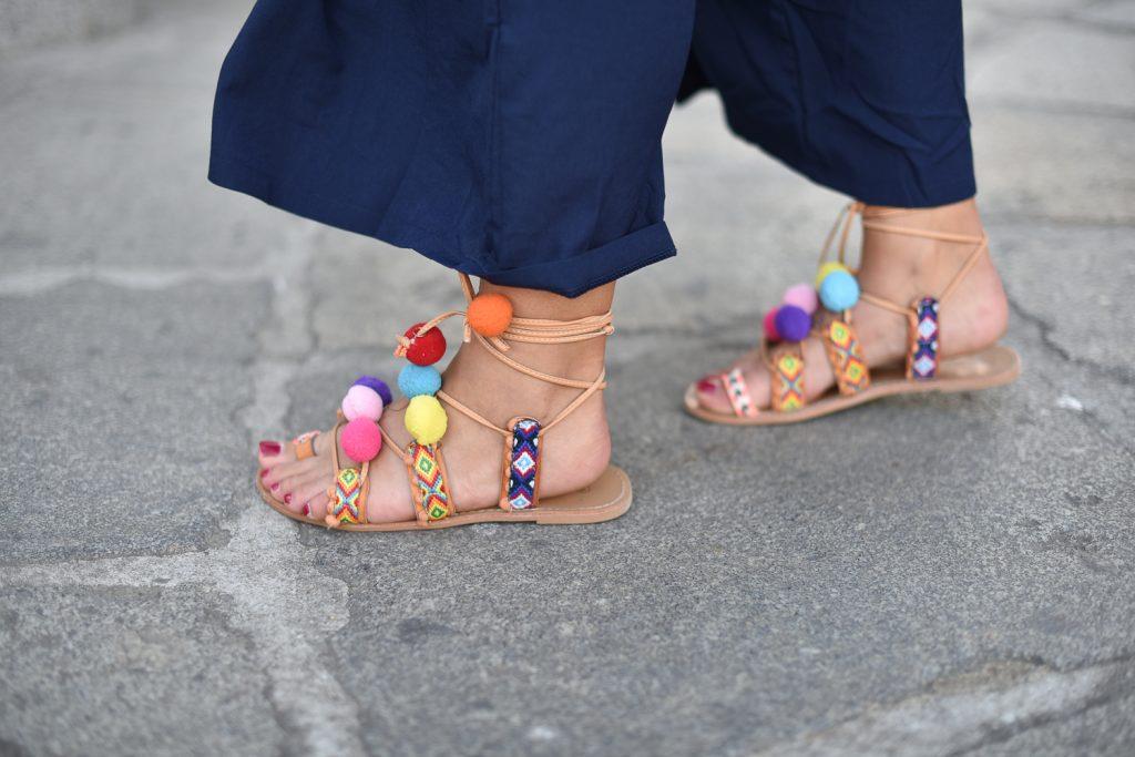 combinaison et sandales pompons kiabi