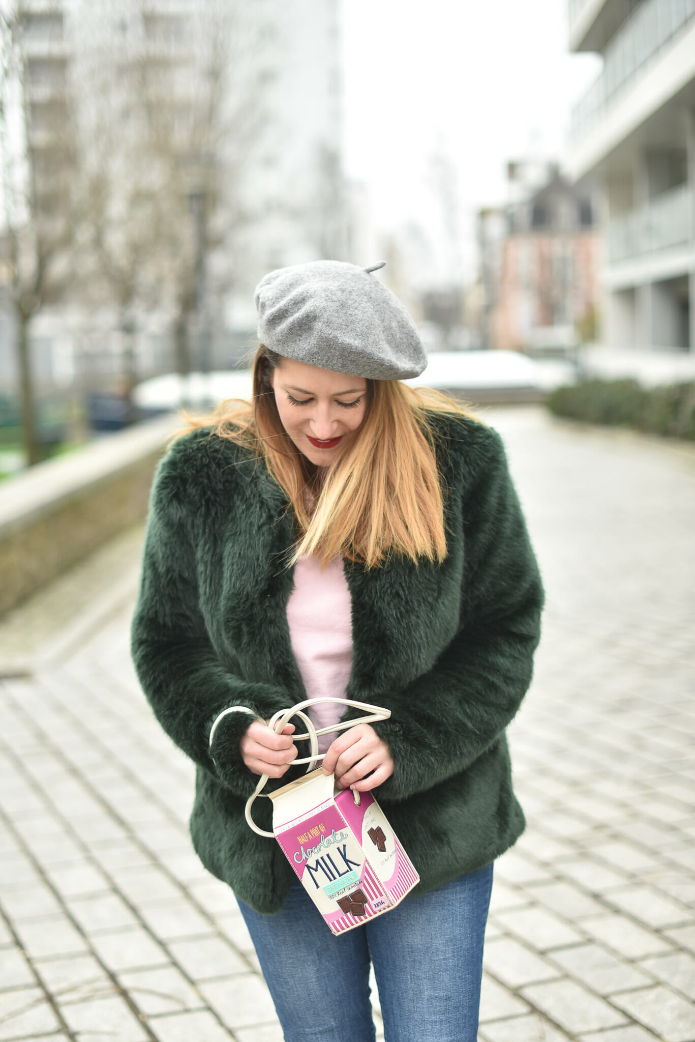 sac original et manteau moumoute
