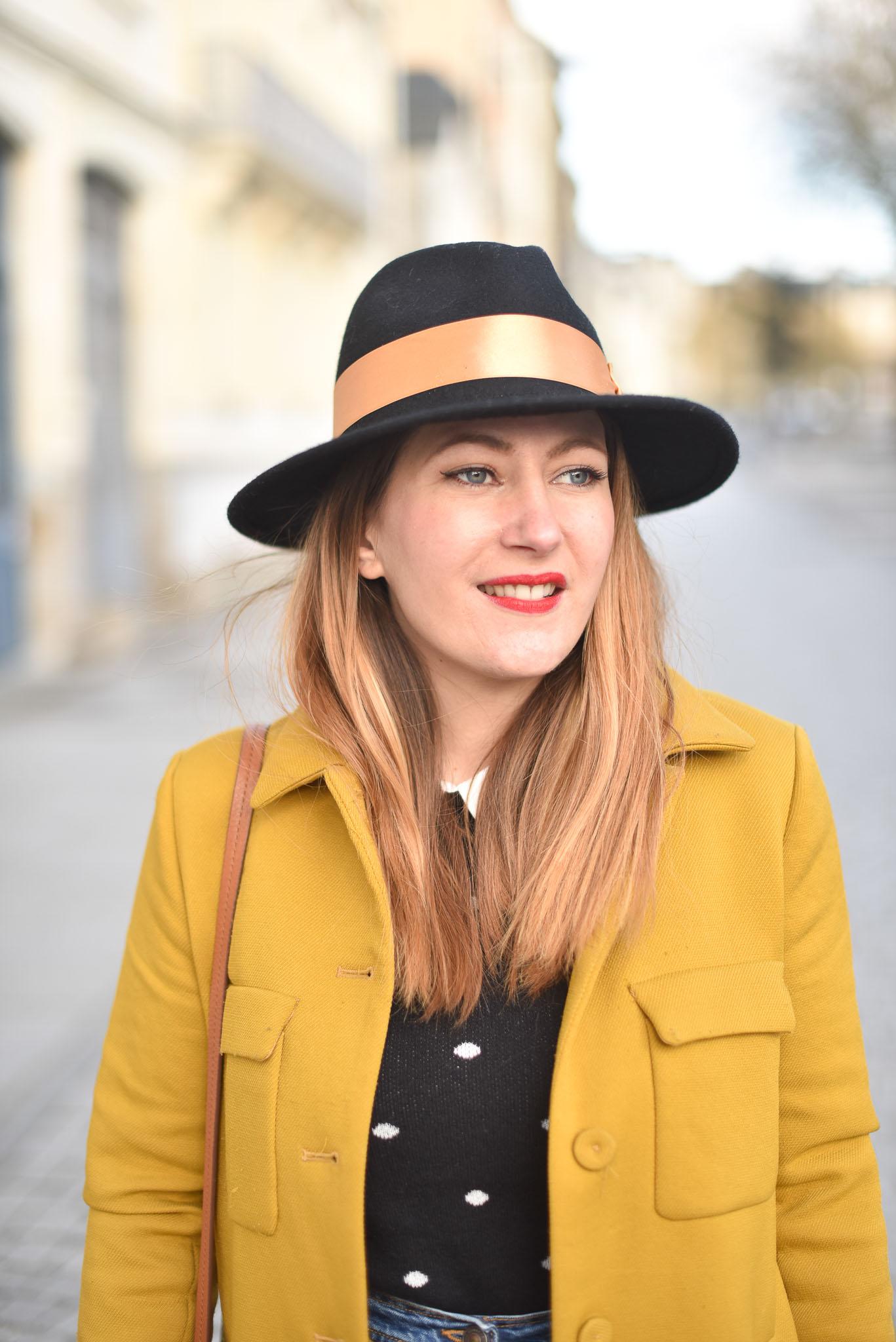 chapeau noir doré femme