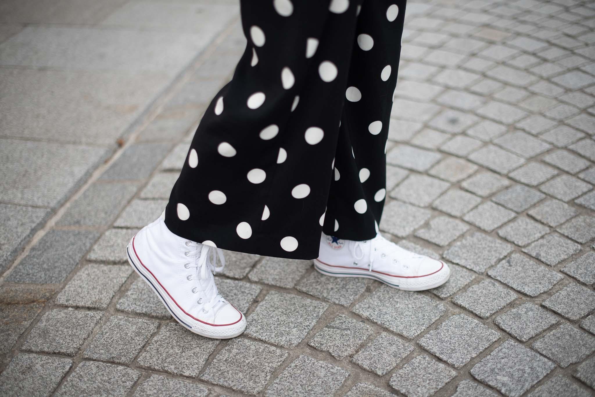 converse blanche footway