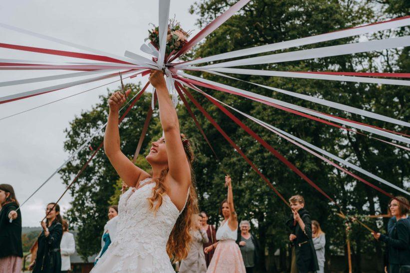bouquet mariée avec ruban